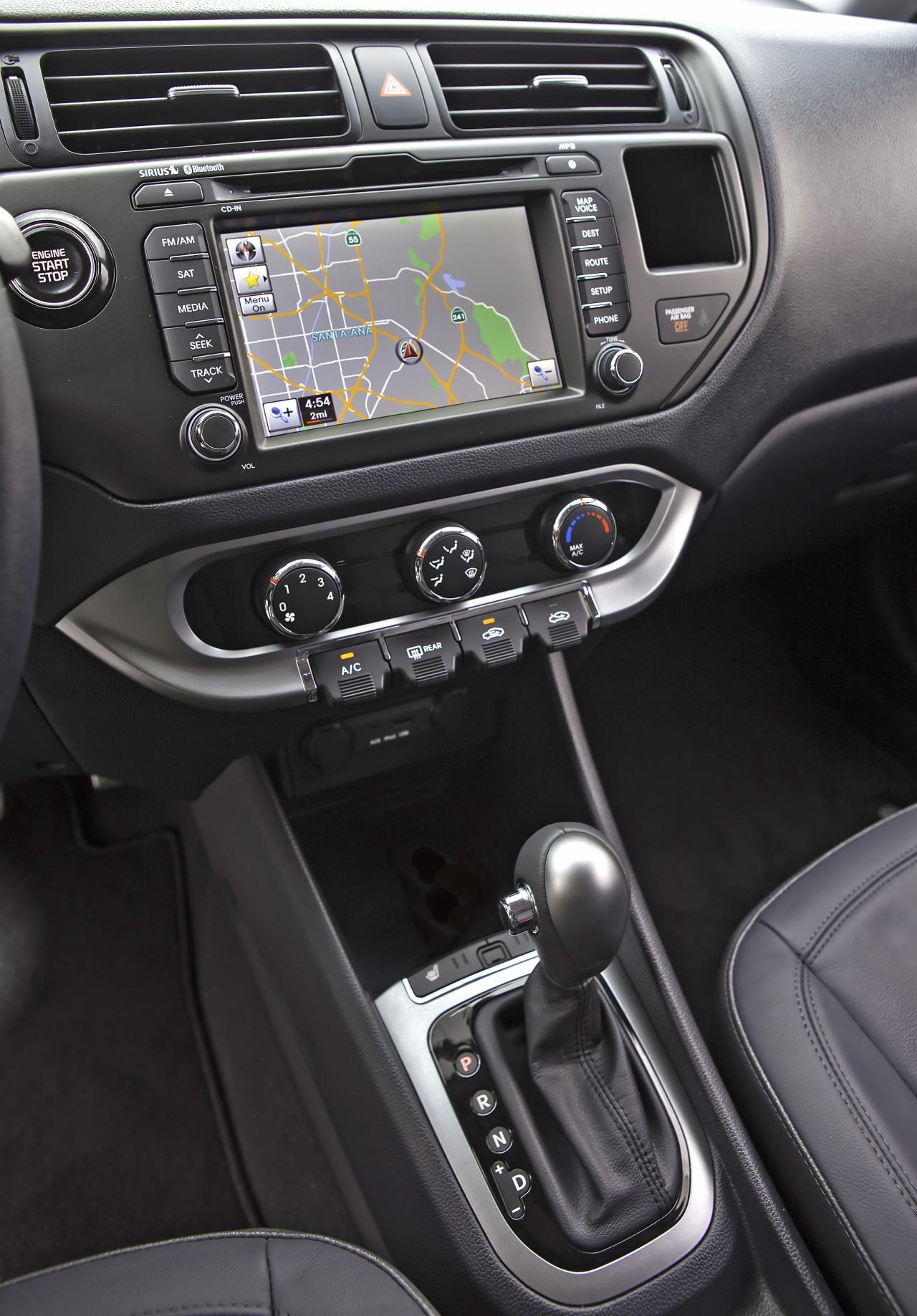 0__2012-kia-rio-sedan-10__1280_1837.jpg