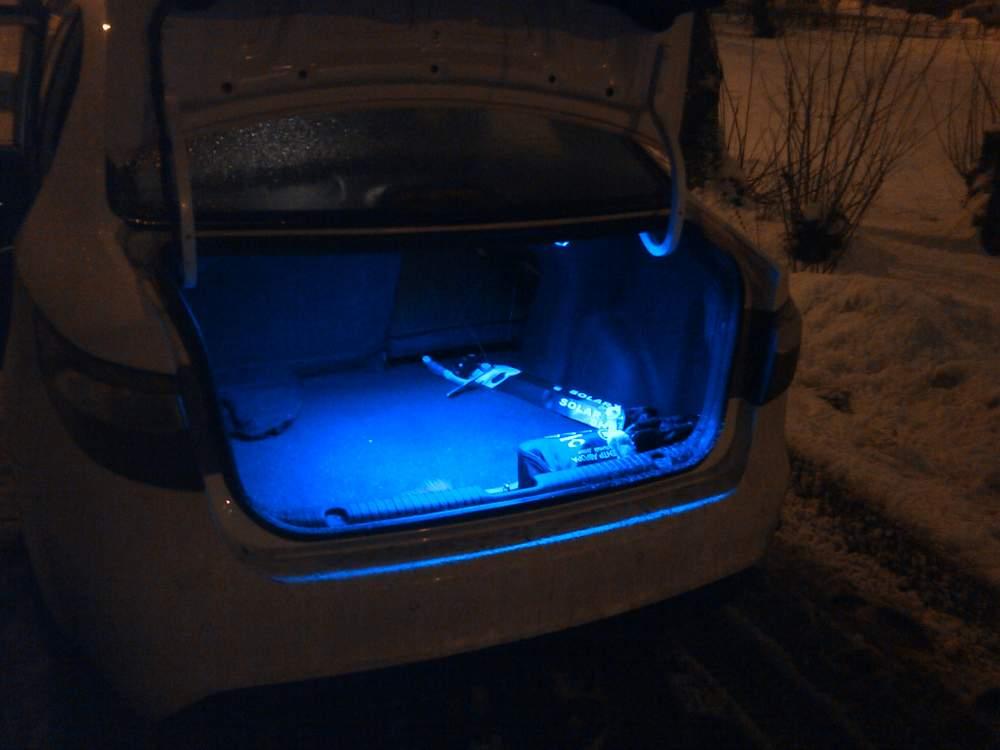 Как сделать освещение багажника